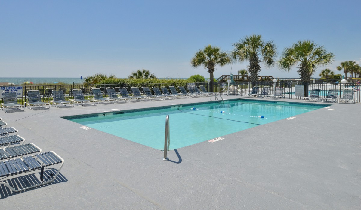 The Sea Horn Motel in Myrtle Beach - Exterior Heated Pool
