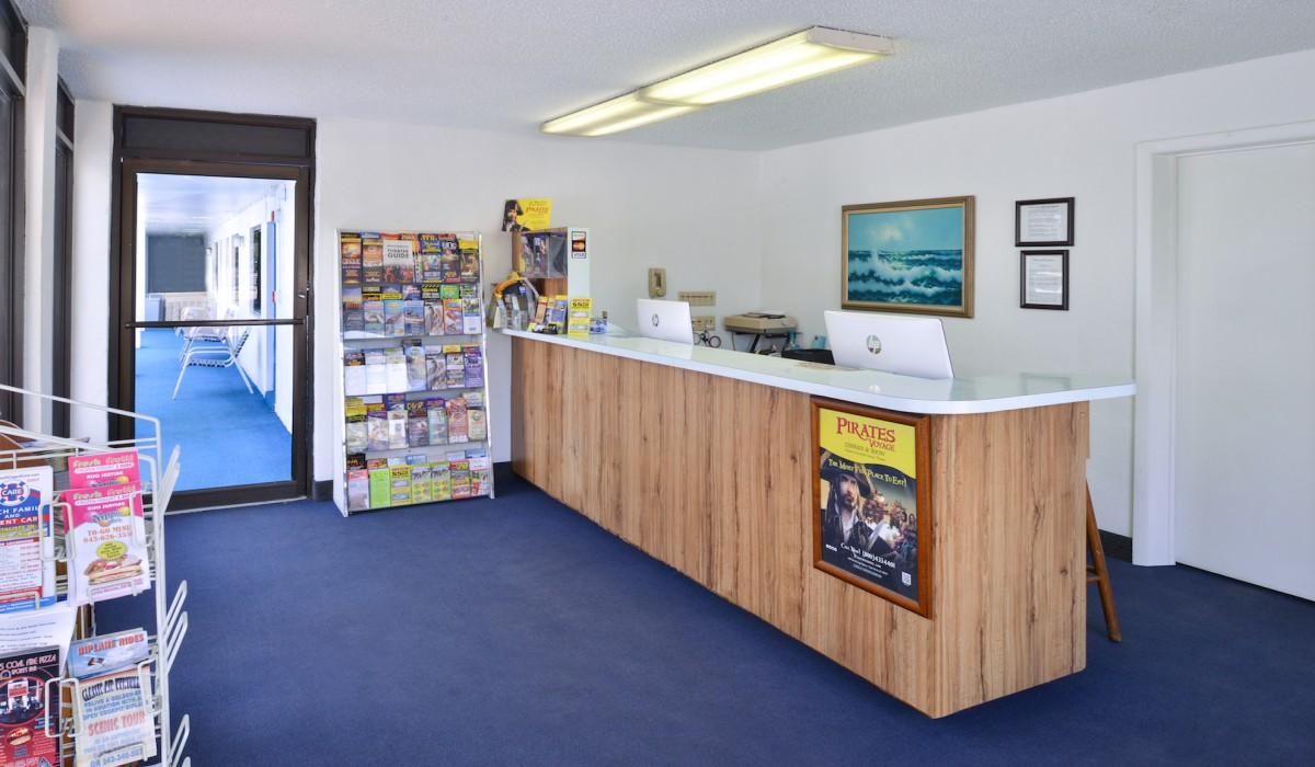 The Sea Horn Motel in Myrtle Beach - Front Desk lobby at Sea Horn Motel