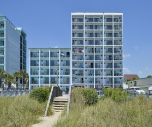 The Sea Horn Motel in Myrtle Beach - Beach side view of Sea Horn Motel